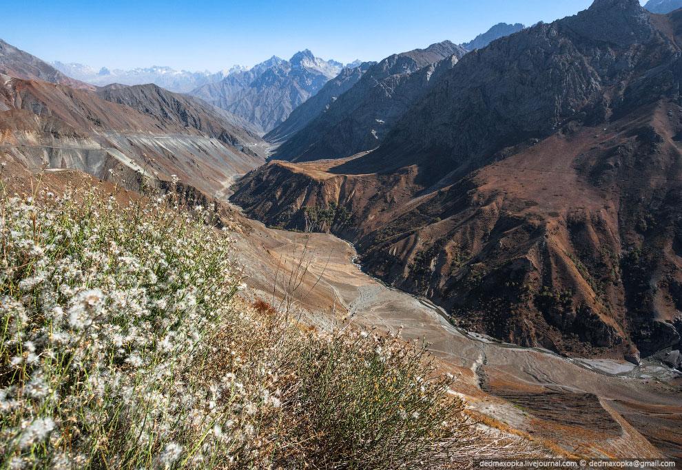 Впечатления от Таджикистана намного приятнее, я бы даже сказал, что я бы хотел сюда ещё раз вер