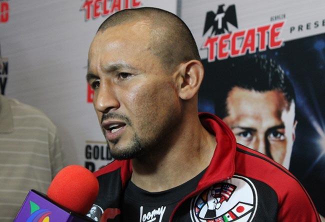 Мексиканский боксер отказался от 2-го боя сЛомаченко