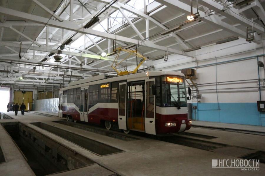 «Это наш первенец»: власти показали 1-ый трамвай новосибирской сборки
