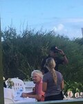 Obama-and-Branson-on-Anegada-together (4).jpg