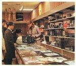 352052 Секция радиотоваров в универсальном магазине №1 _Берёзка_70-е.jpg