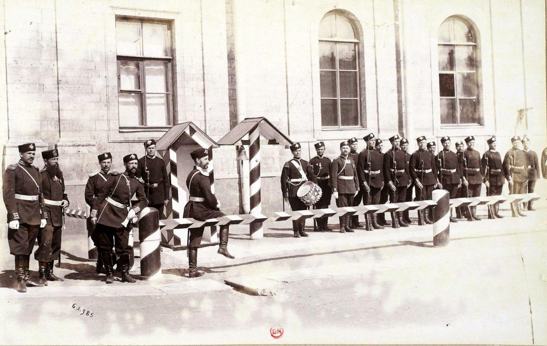 Гатчинский дворец. Гвардейский отряд