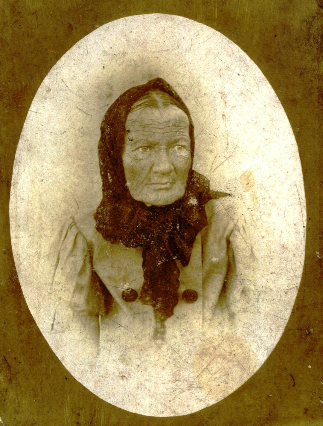 Портрет старой женщины. На обороте надпись «Скончалась 7 октября в 9 часов утра 1899г.»