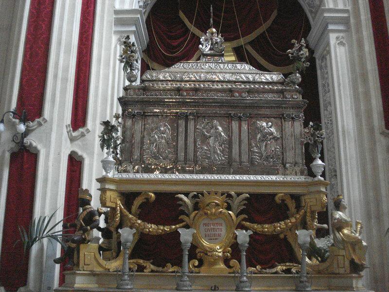 028-реликварий св.Георгия.jpg