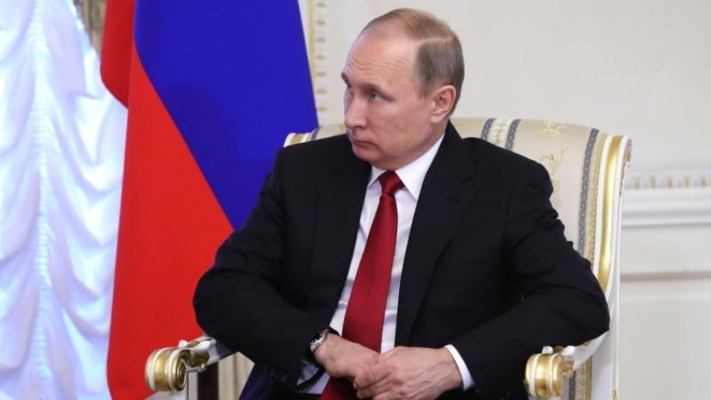 Путин наградил орденами участников сделки поприватизации «Роснефти»