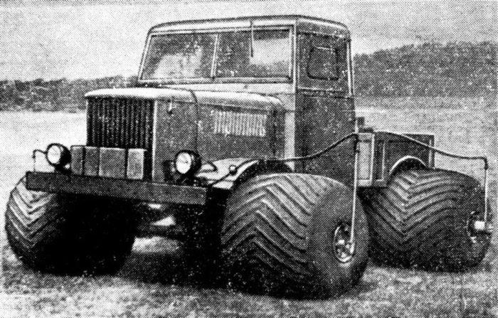 НАМИ-044Э на пневмобаллонах. По образцу техники американской фирмы FWD, в 1961 году в НАМИ создали с