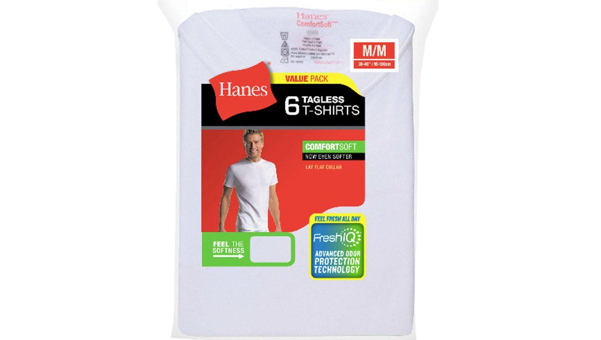10. Несколько белых футболок .
