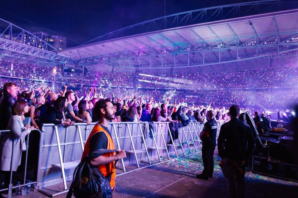 «До этого я не был особым фанатом Coldplay, — делится впечатлениями Дэвид. — Но в этот день многое и