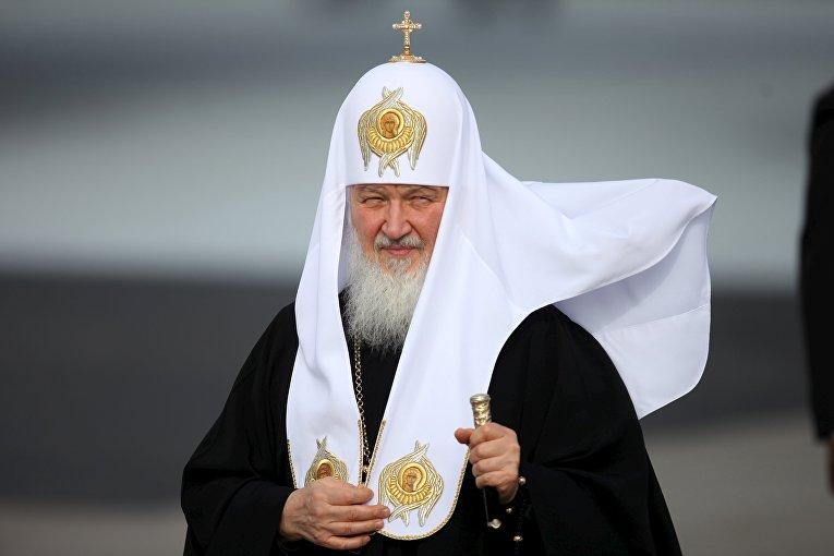 Патриарх Кирилл провел литургию восвященном имТроицком соборе встолице франции