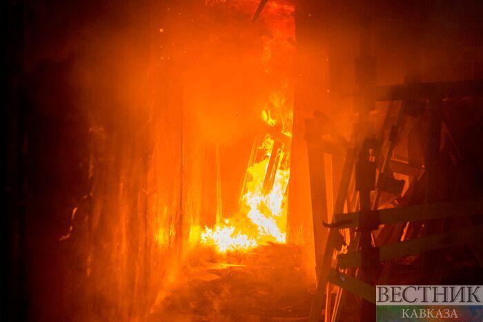 Один человек умер ишестеро спасены впожаре в столице России