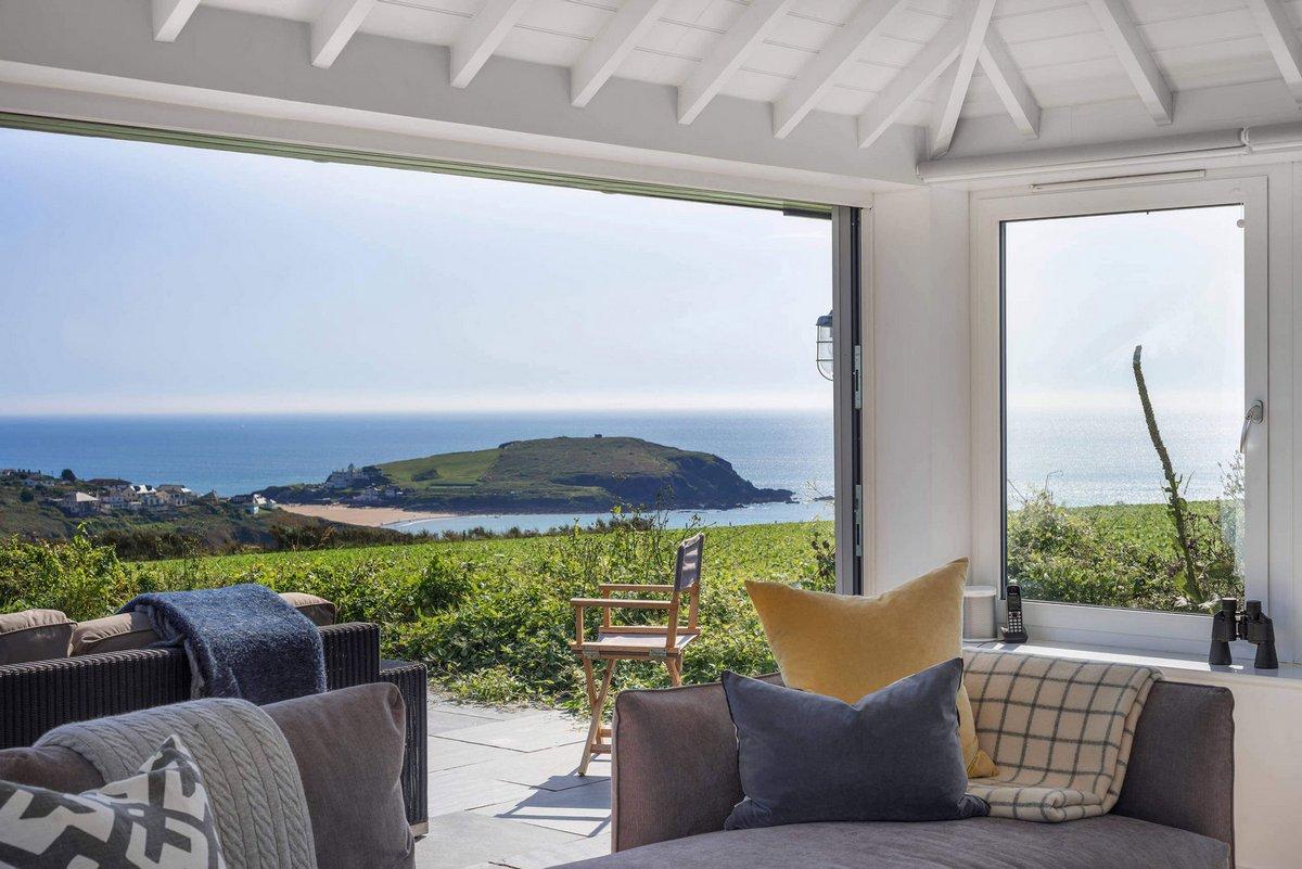 частный дом с видом на море