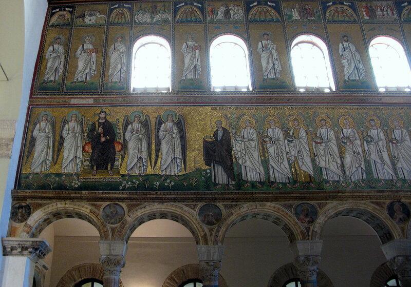 Базилика Сант-Аполлинаре-Нуово