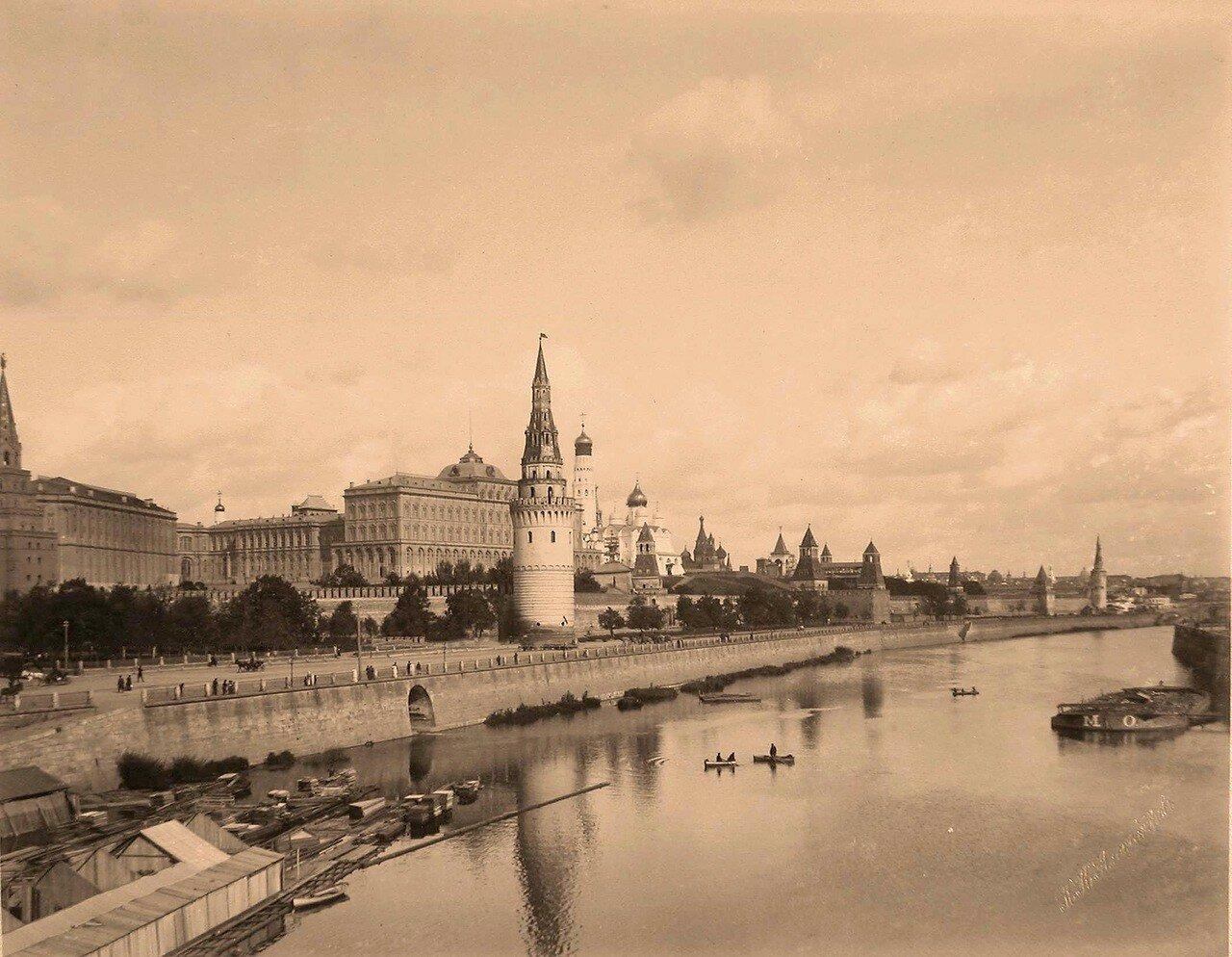 Вид на Кремль со стороны Москвы-реки. 1896