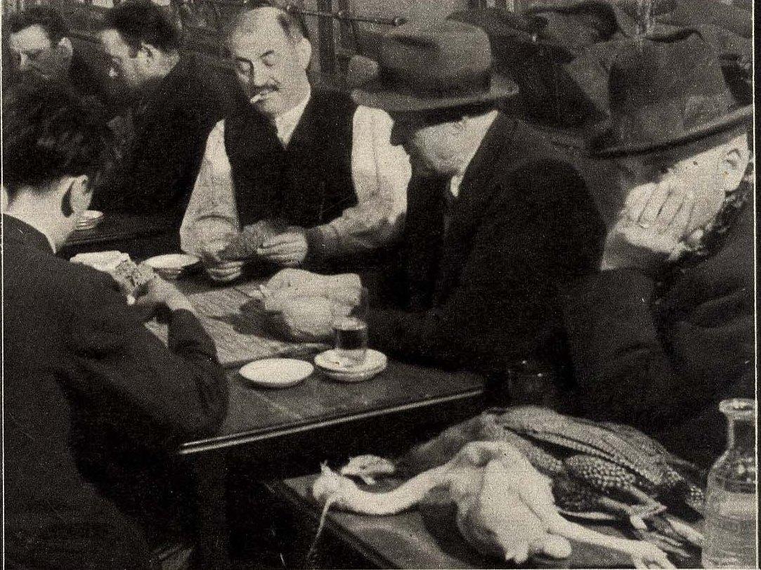 1932. Игра в карты в парижском бистро