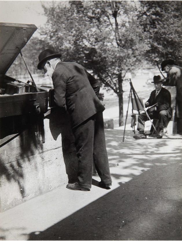 1930-е. Профессор Д. на берегах Сены
