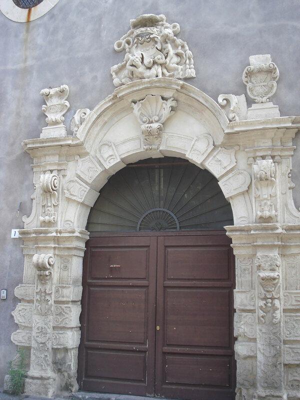 006-монастырский портал.jpg