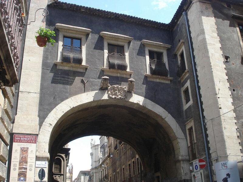 001-арка Сан-Бенедетто.jpg
