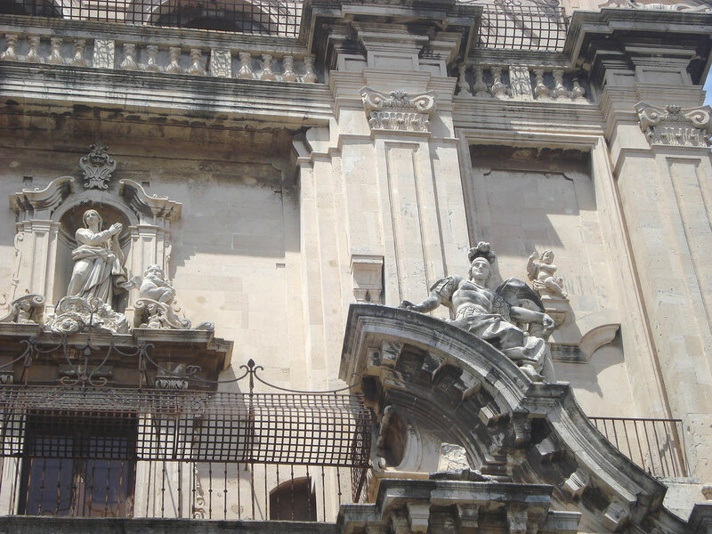 008-фасад (средний ярус, правая часть).jpg