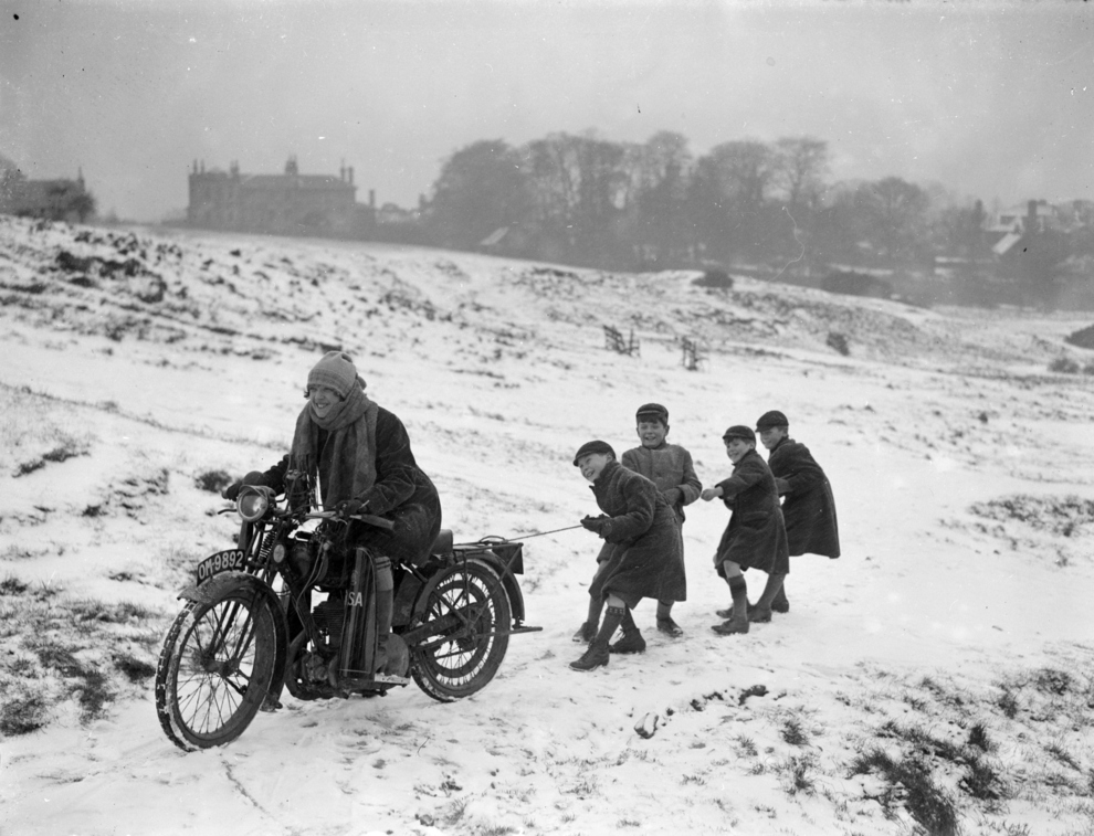 Мотоциклистки прошлого века