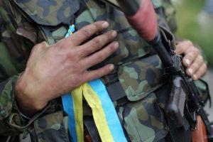 Порошенко обещает упростить предоставление гражданства иностранным добровольцам