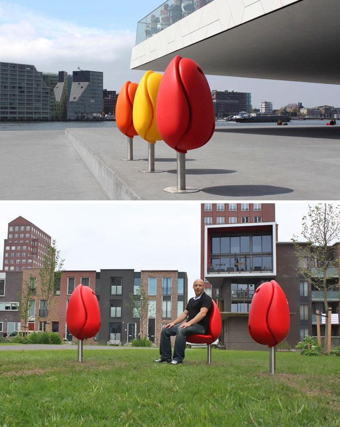 Скамейки в виде тюльпанов от Tulpi Design.