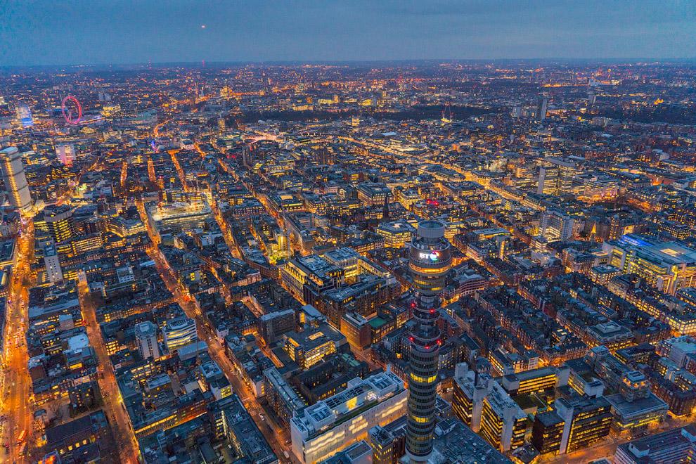 16. The Shard (в переводе на русский «Осколок стекла» или просто «Осколок») — небоскрёб в Лондо