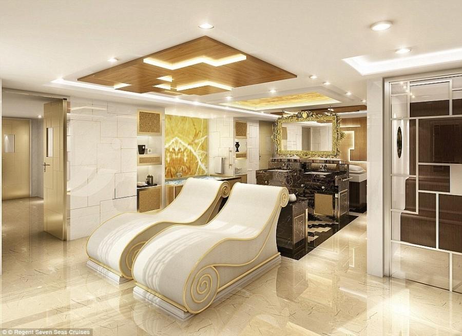 3. Обзор из каюты Regent Suite над носом лайнера составляет 270 градусов.