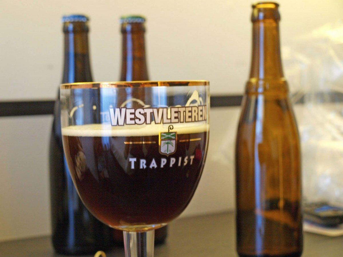 Пивоварня Westvleteren в аббатстве Бельгии Сент-Сикста варит лучшее пиво в мире. Когда сайт RateBeer