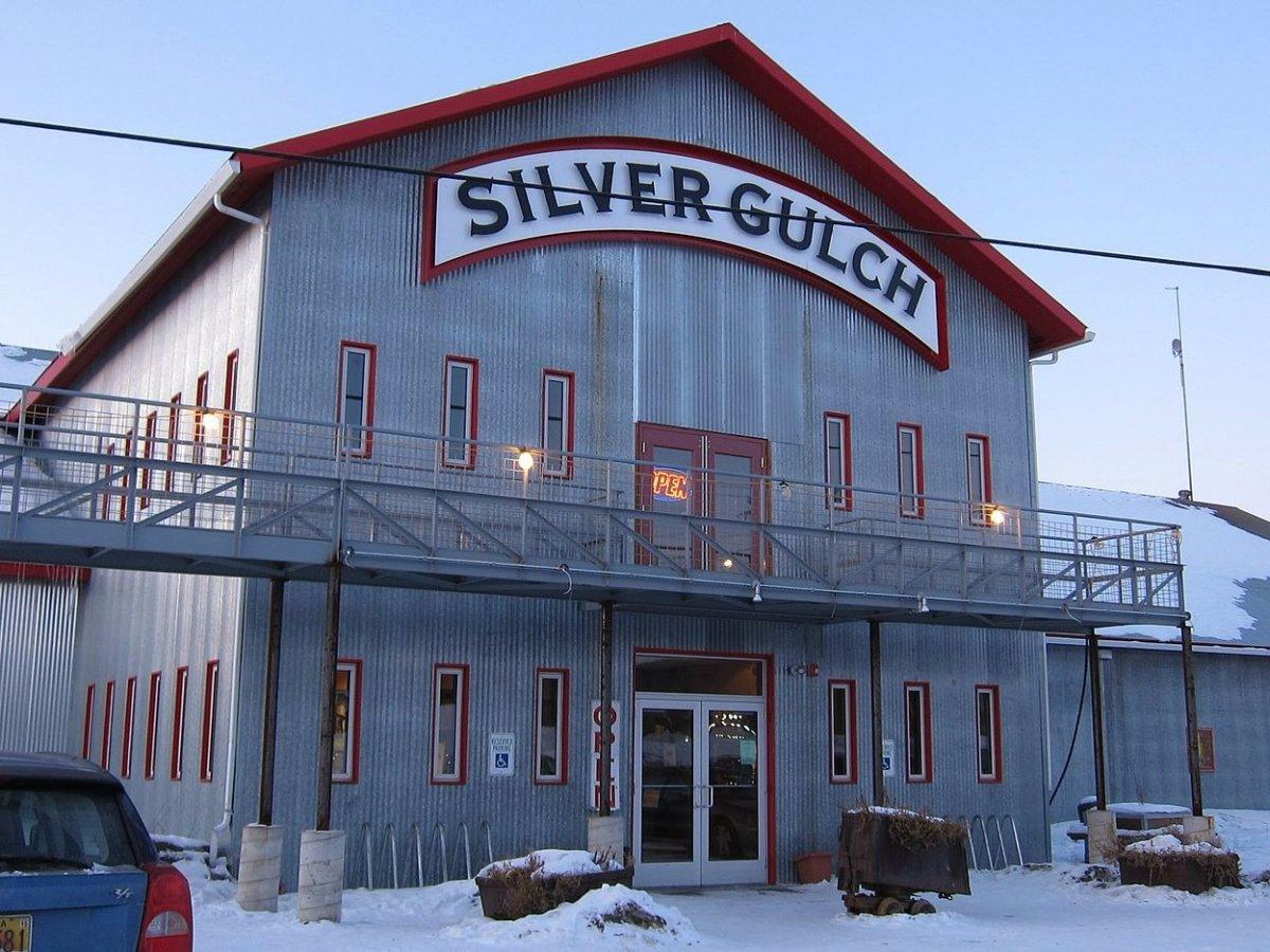 Silver Gulch Brewing & Bottling Co – самый северный пивоваренный завод, расположенный на Аляске.