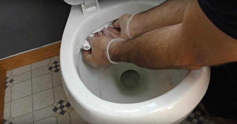 Как убирать в туалете быстро. Действенные способы (1 фото)