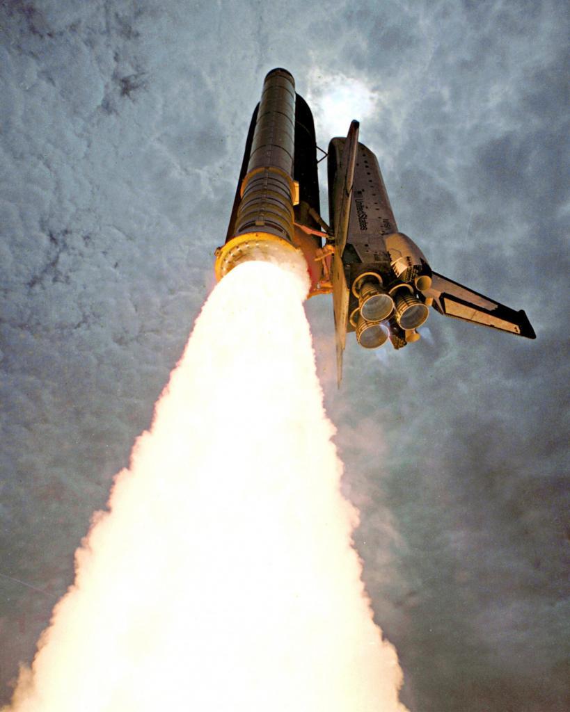 Запуск космического шаттла «Колумбия» (NASA)