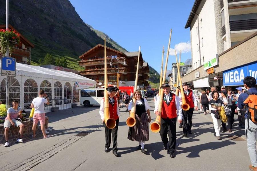 19. Швейцария Жители Швейцарии ежегодно имеют право на 20 дней отпуска.