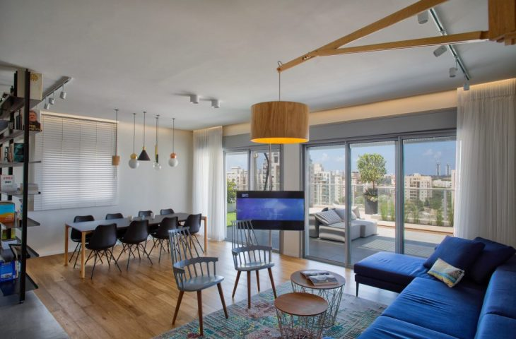 Dori Interior Design designed this spacious modern penthouse apartment located in Netanya, Israel, i