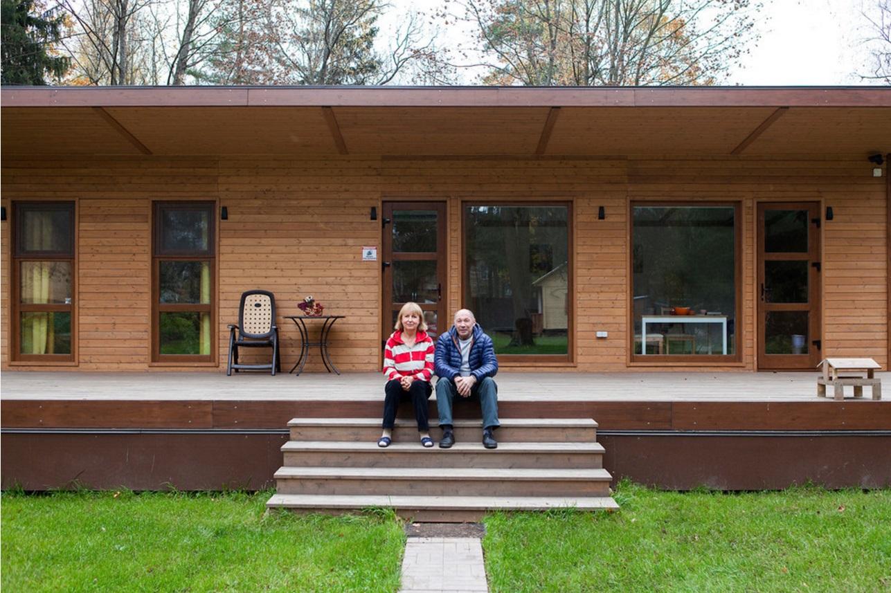 Компактный дом на двоих — подарок родителям