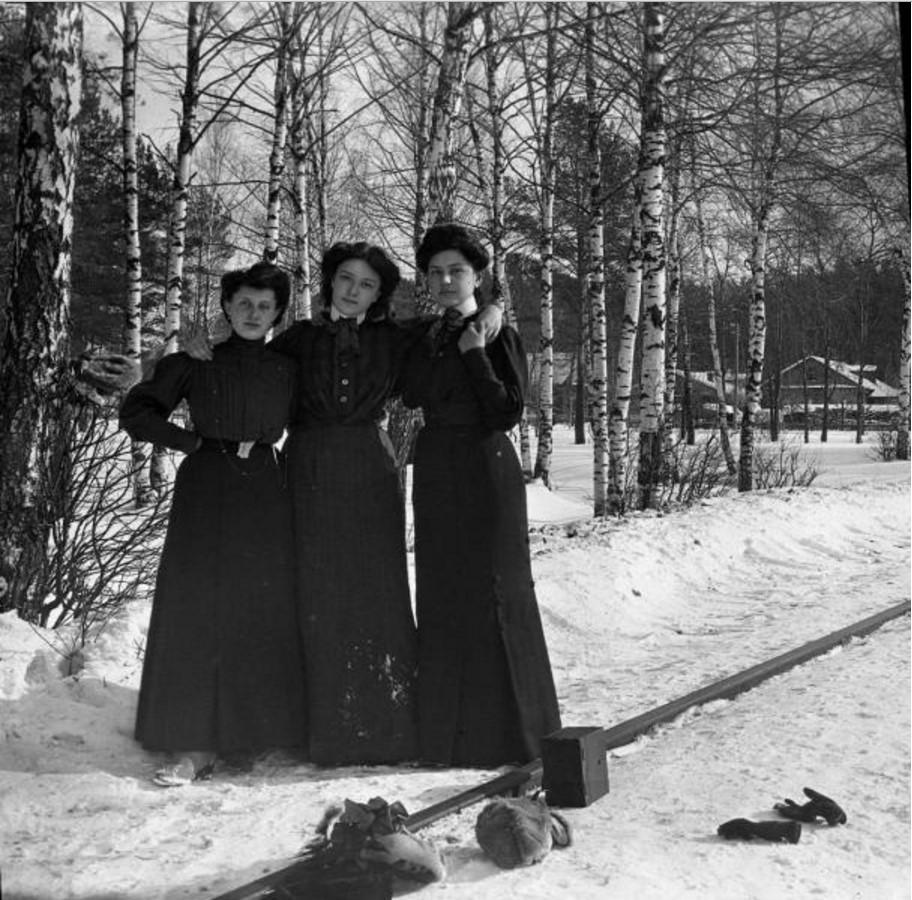 Прогулка в Петровско-Разумовское. «Густя, Клара и Тина»
