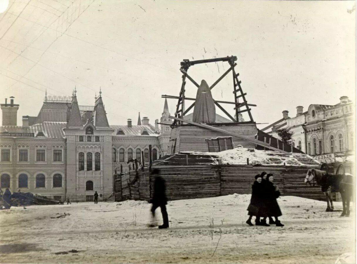 Памятник Александру II. Монтаж памятника.1914