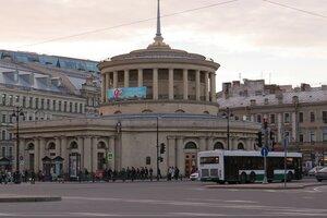 Достопримечательности Санкт-Петербурга: станция метро Площадь Восстания