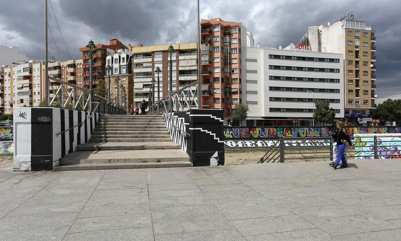 Малага. Набережная Команданте Бенитес (Avenida del Comandante Benítez). Пуэнте дель Персель