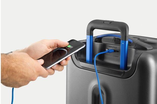 «Умный» чемодан Bluesmart Зарядить мобильный телефон, защитить багаж от несанкционированного взлома