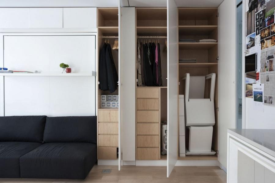6. По всей квартире оборудовано множество скрытых шкафов и полок для хранения.