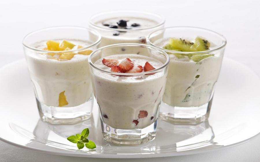5. Йогурт Ценным продуктом считается именно натуральный йогурт без добавок. Йогурт не только очень л
