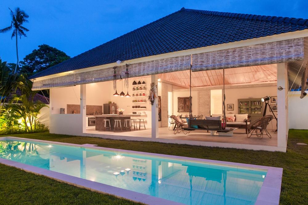 © optimumbali  Место: Умалас 3спальни сванными комнатами, открытая кухня-гостиная бассейн тр
