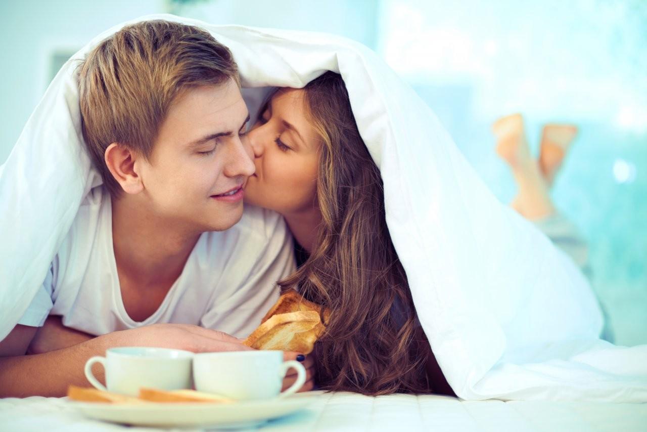 Ученые определили идеальное количество секса для наилучших отношений всемье