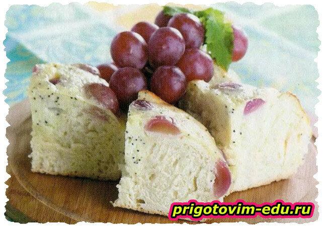 Сдобная коврижка с виноградом