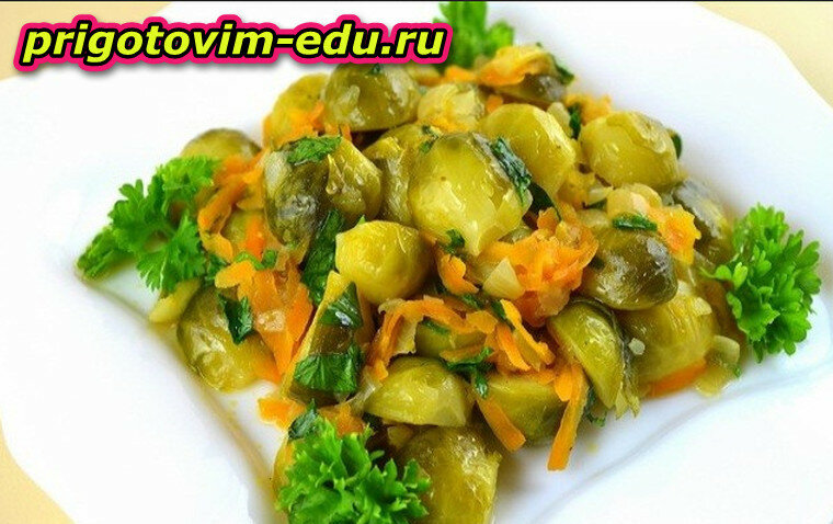 Жареная морковь с брокколи