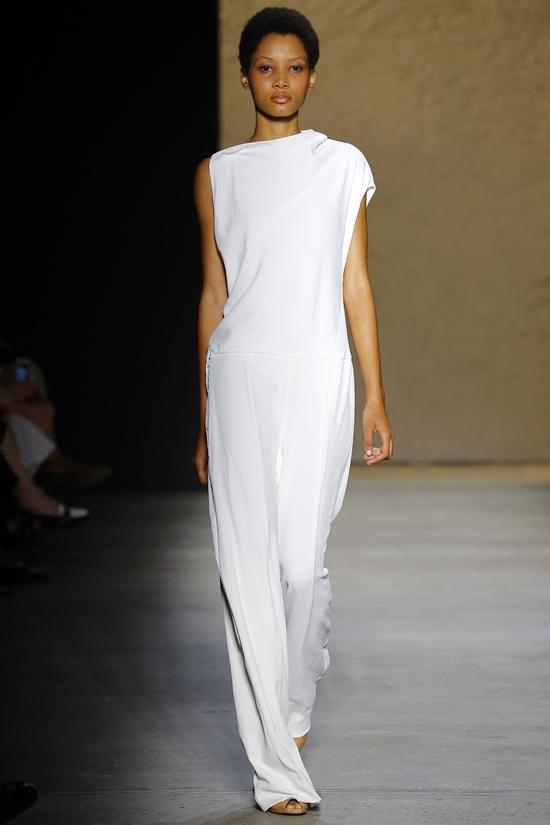 асимметричный белый комбинезон Narciso Rodriguez