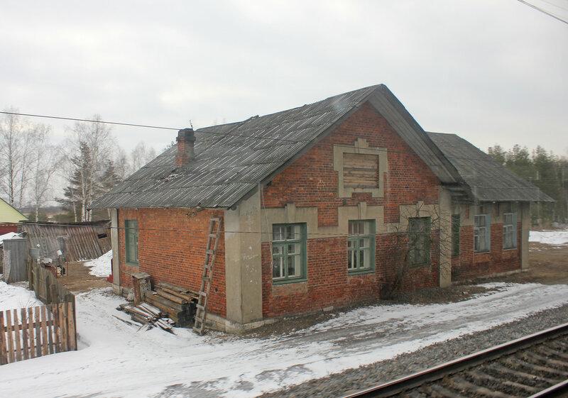 Бывшая станция Руново, здание вокзала