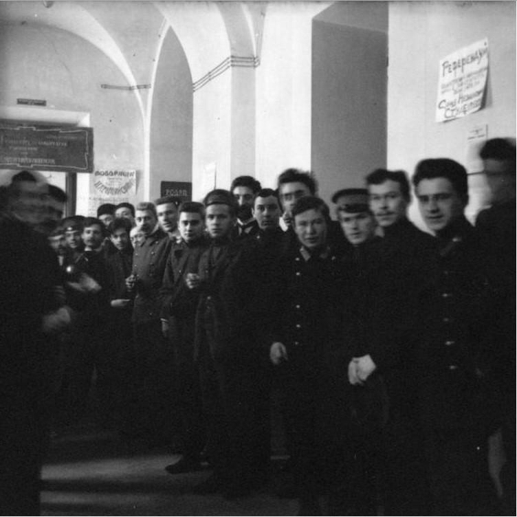 Выборы Ц.У.О. Коридор юридического корпуса во время выборов