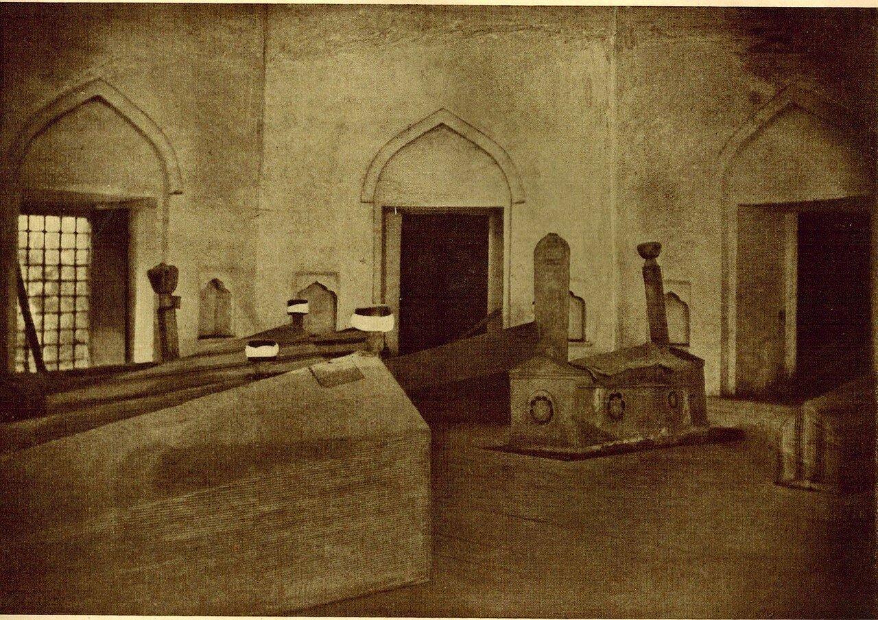 Мавзолей на ханском кладбище