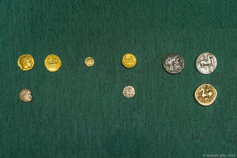 Золотые античные монеты